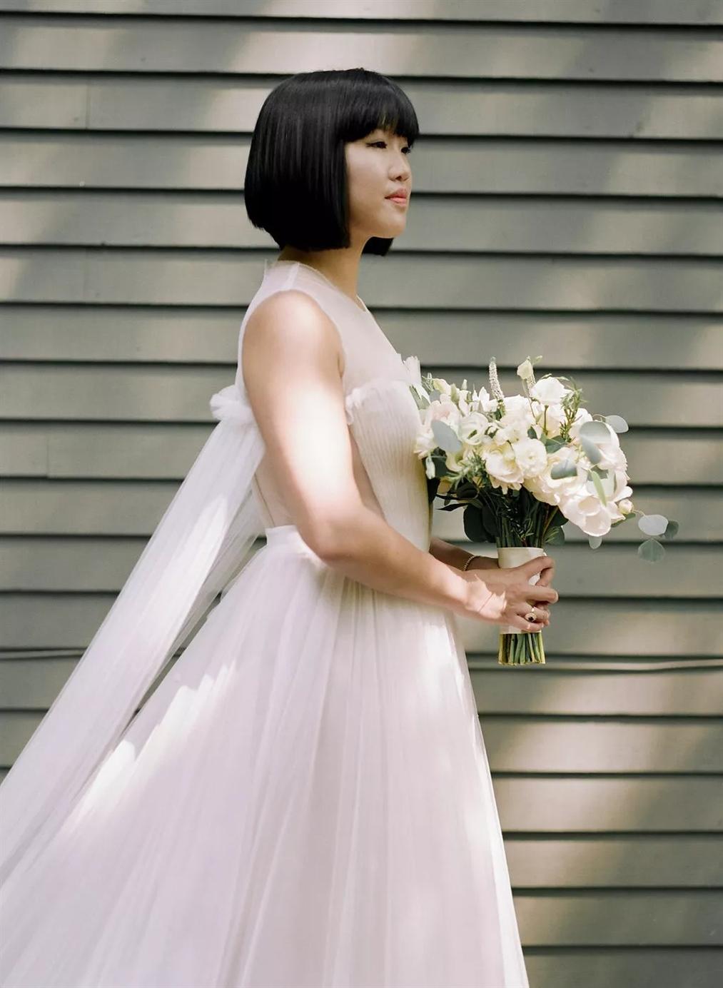 Glänzende Glam Hochzeitsfrisuren
